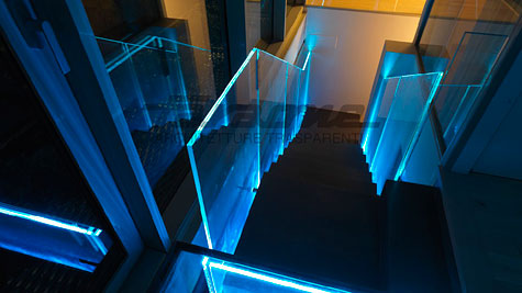 Balaustre con sistema LED integrato