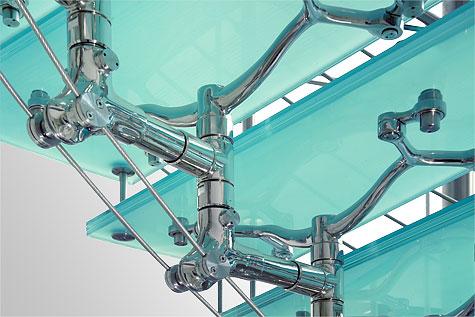 Dettaglio scala vetro e acciaio Imperiale